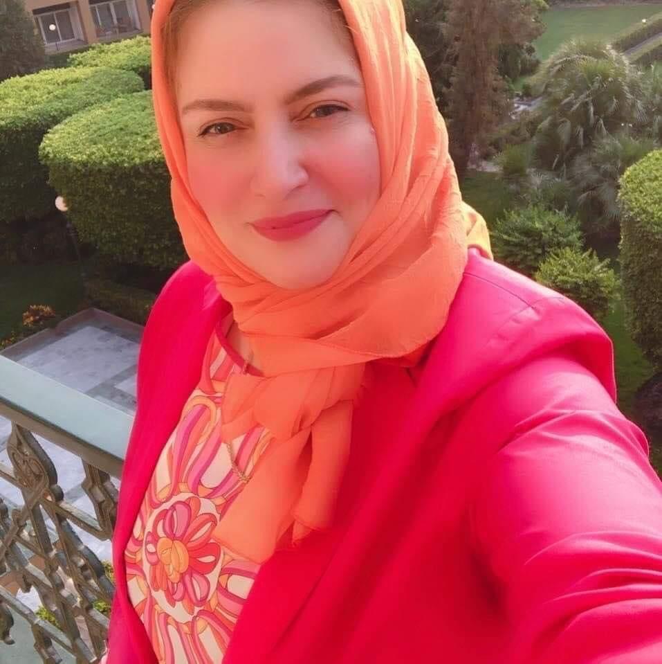 هبة فؤاد تدرب السيدات علي البيع الكتروني بالشرقية