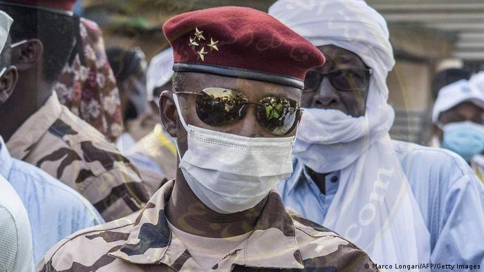 تشاد:نجل ديبي يتولى مهام الرئيس ومتمردون يستعدون لمهاجمة العاصمة