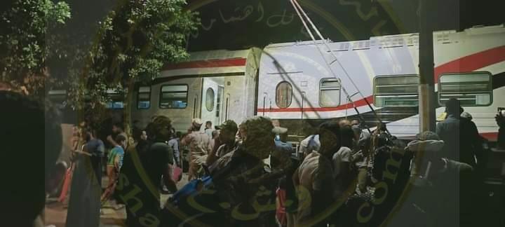 بالصور خروج قطار الصعيدالروسي عن مساره بمحطة كفر عمار بالجيزة