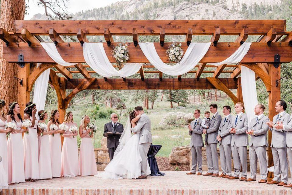 first kiss at della terra wedding