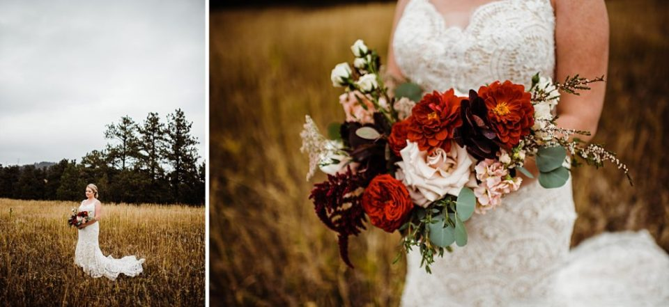 bride with shades of red bouquet