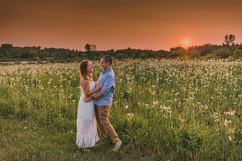 wisconsin sunset engagement session
