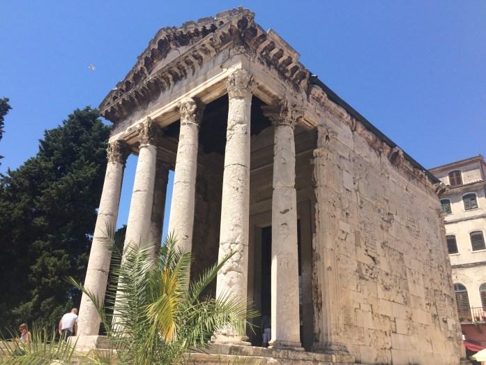 Temple of Augustus - Pula