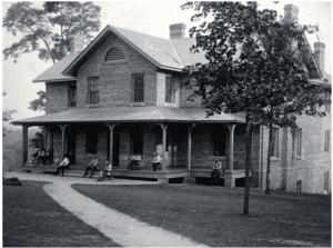 Men's House, ca. 1906. Patrick L. Murphy Papers, UNC Library