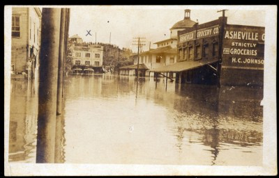 Flood of 1916: Depot Street with Depot at right rear. Pack Memorial Public Library.