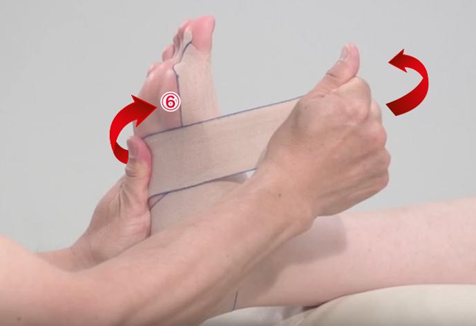 超簡単!不器用な人でも出来る外反母趾のテーピングの巻き方を伝授!