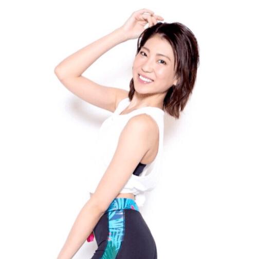 美人パーソナルトレーナー坂井雪乃のトレーニングウェア姿