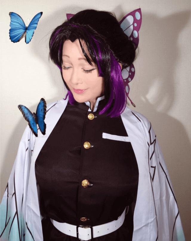 叶姉妹の妹叶美香の鬼滅の刃胡蝶しのぶのコスプレ