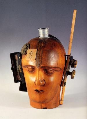 機械的頭部(われわれの時代精神)
