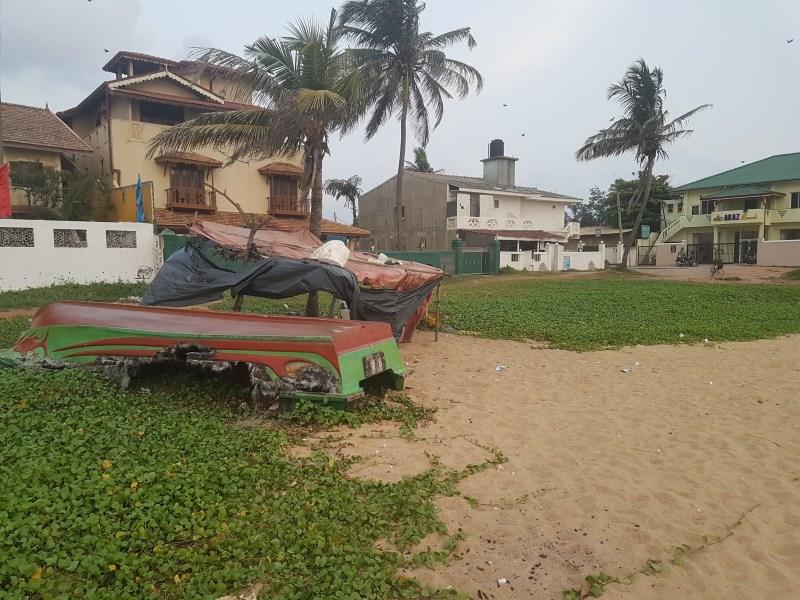 small boat on Winston Beach ashleighsworld.com