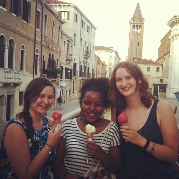 Venice au pair
