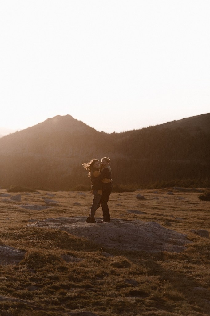 Rocky Moutain National Park Engagement photos by Ashley Joyce Photography-8