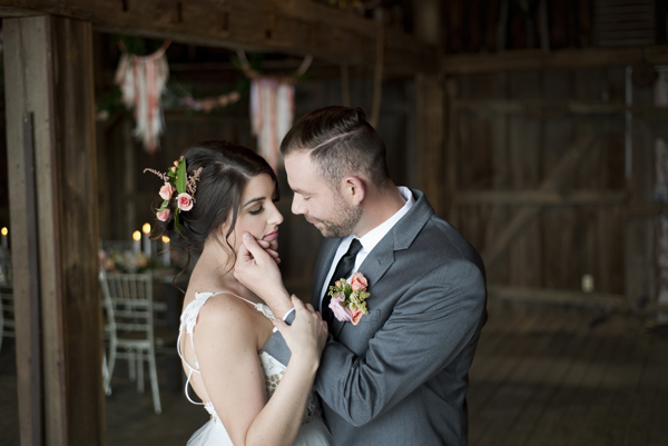 Honey Farm Wedding Reception Venue Dayton Ohio by Ashley Lynn Photography (13)