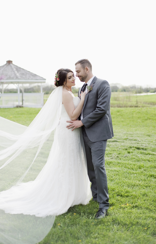 Honey Farm Wedding Reception Venue Dayton Ohio by Ashley Lynn Photography (36)