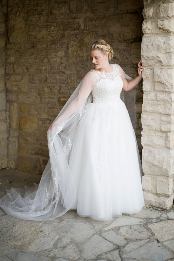 Ohio_Bride_Wedding_Dress_Cape_Wedding_by_Ashley_Lynn_Photography (12)