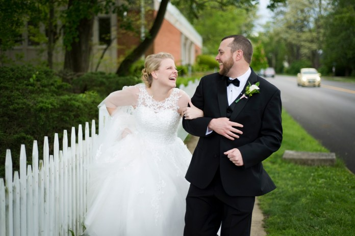 Bride_and_Groom_Downtown_Yellow_Springs_Ohio_Wedding_by_Ashley_Lynn_Photography (25)