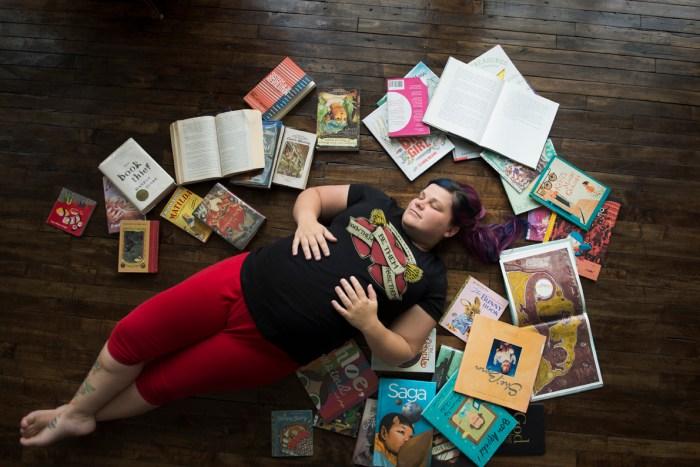 1019Dayton_Ohio_Book_Maternity_Session_By_Ashley_Lynn_Photography