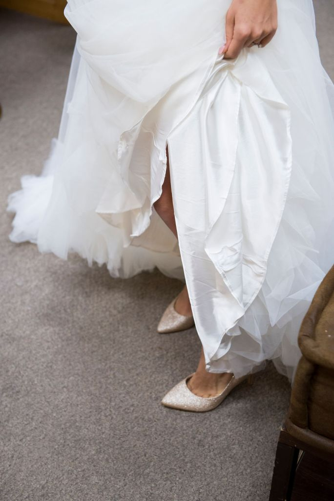 It's all about the details! These are the photos that will take you back to your wedding day years down the line. Creating wedding photography timelines ensure we don't miss those day-of details.