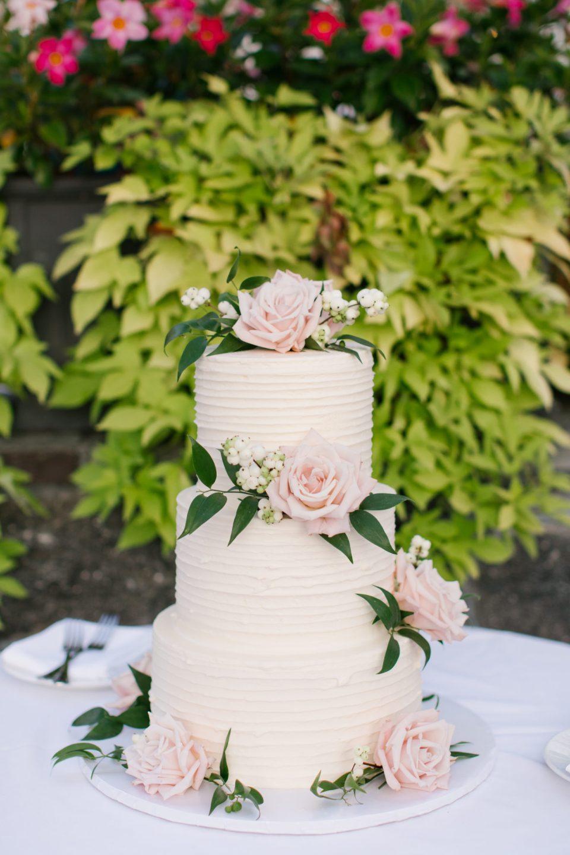 classic wedding cake photographed by Ashley Mac Photographs