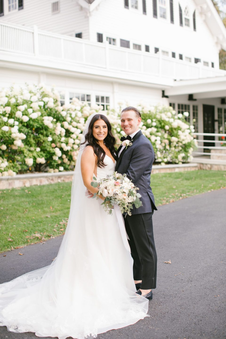 Ashley Mac Photographs photographs bride and groom in New Jersey