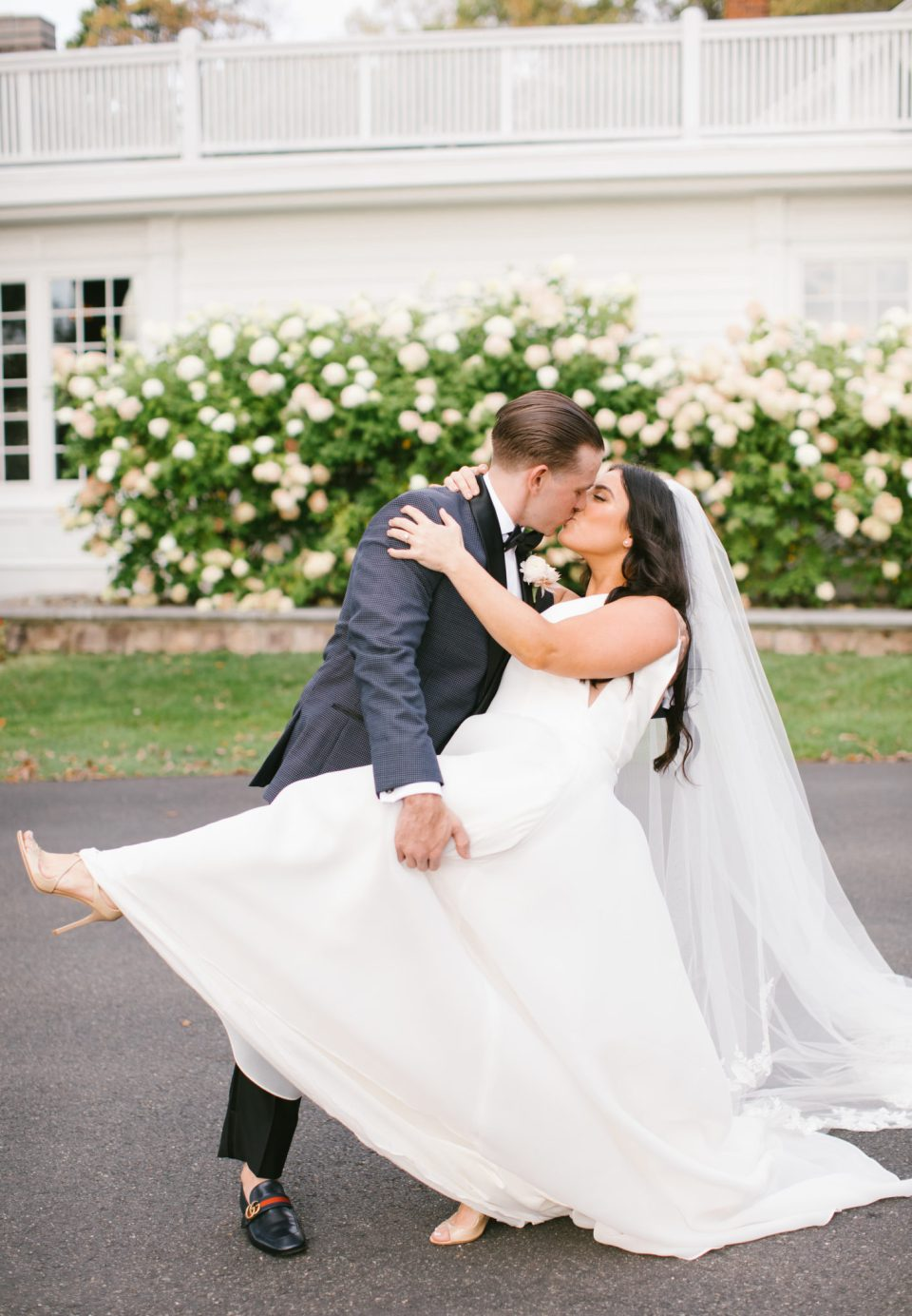 rustic glam wedding day at Ryland Inn photographed by Ashley Mac Photographs