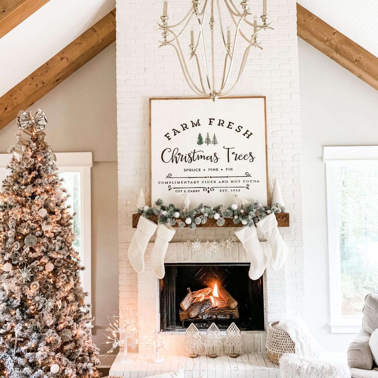 Living Room Holiday Decor