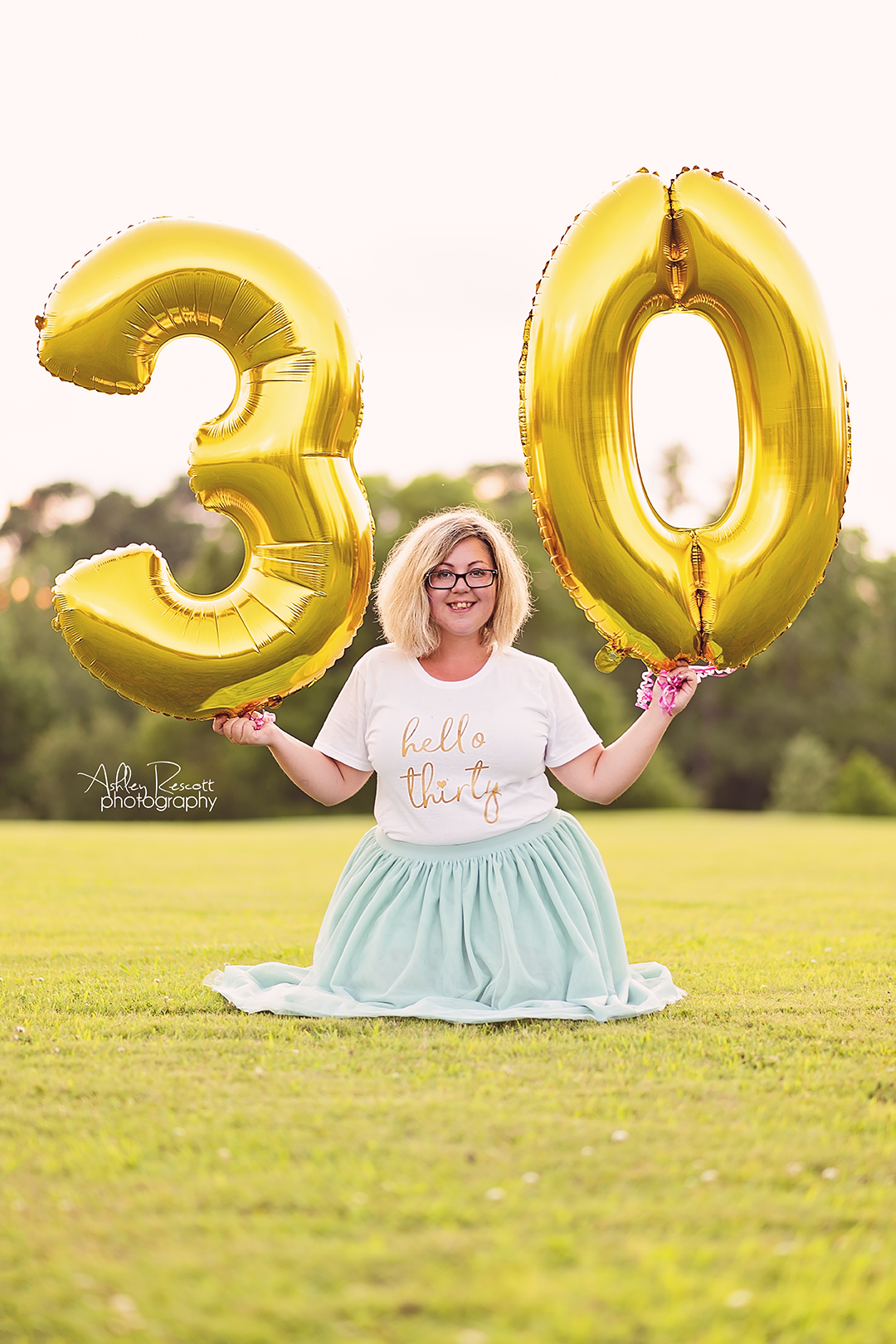 woman celebrating her 30th birthday