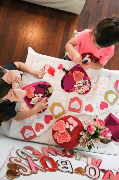 Easy Decor For Valentine's Day Ship Party Return