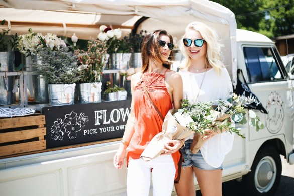 Nashville City Guide, Amelia's Flower Truck -THE ULTIMATE NASHVILLE CITY GUIDE featured by popular Los Angeles travel blogger, Ashley Hodges