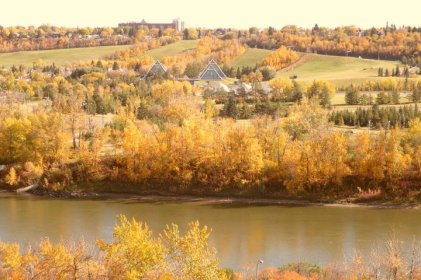 View of the stunning River Valley in the fall
