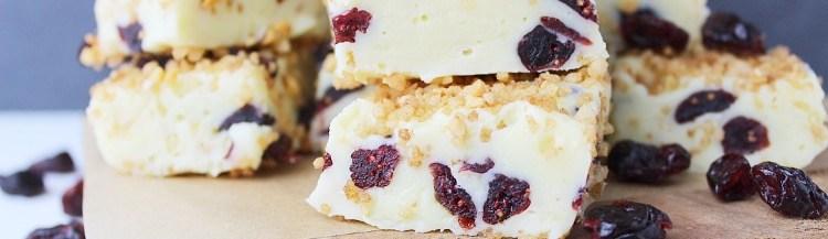 Witte chocolade fudge met cranberry en nougatine