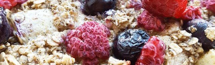 gebakken havermout met rood fruit