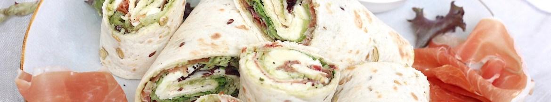 Wraps met rauwe ham en geitenkaas-pesto tapenade