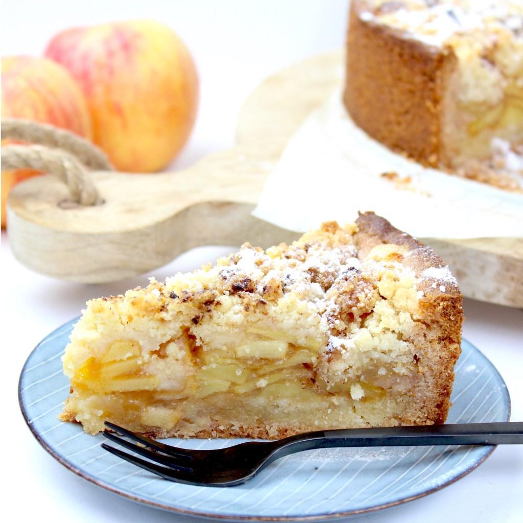 Appelkruimel taart met amandelspijs