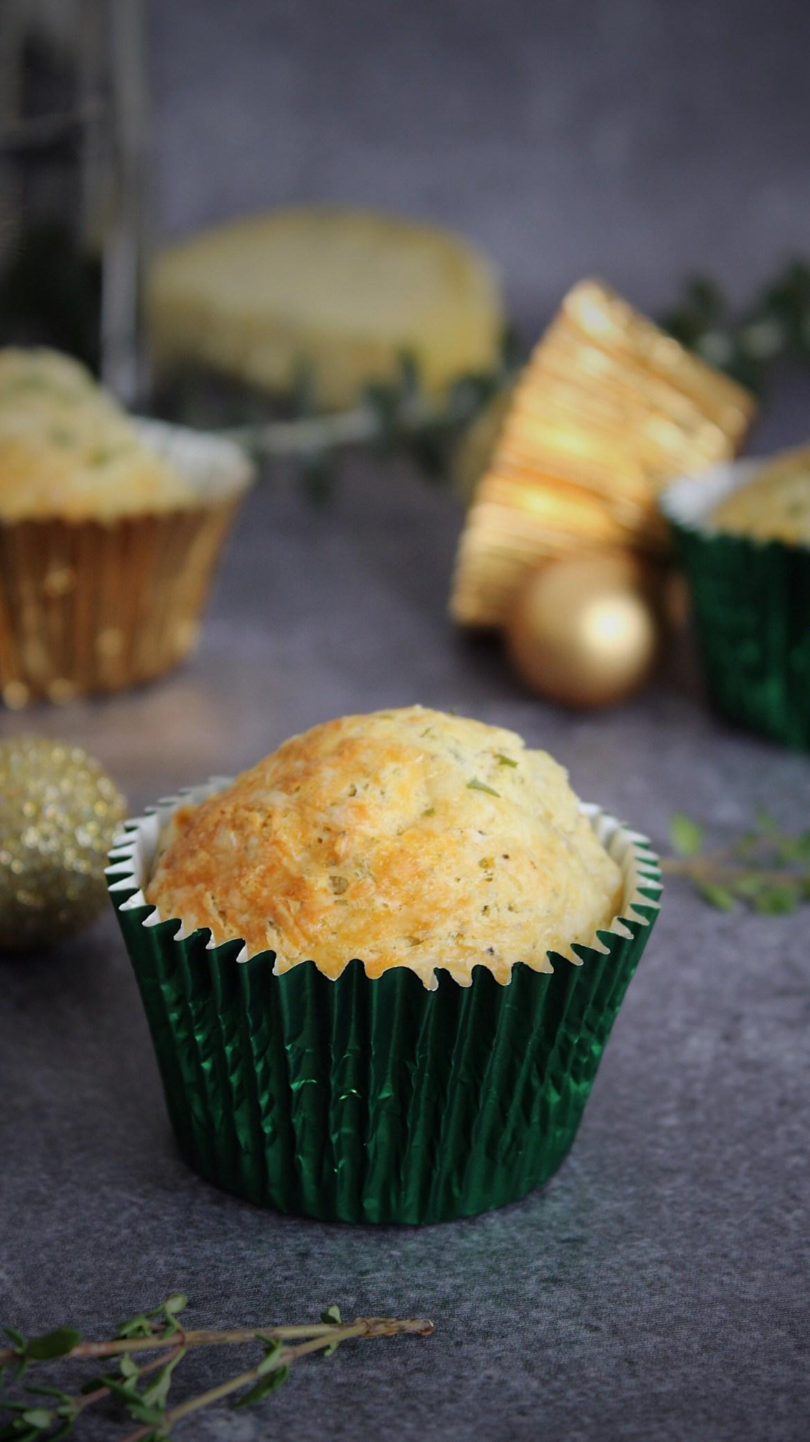 Hartige muffins met kaas en Italiaanse kruiden