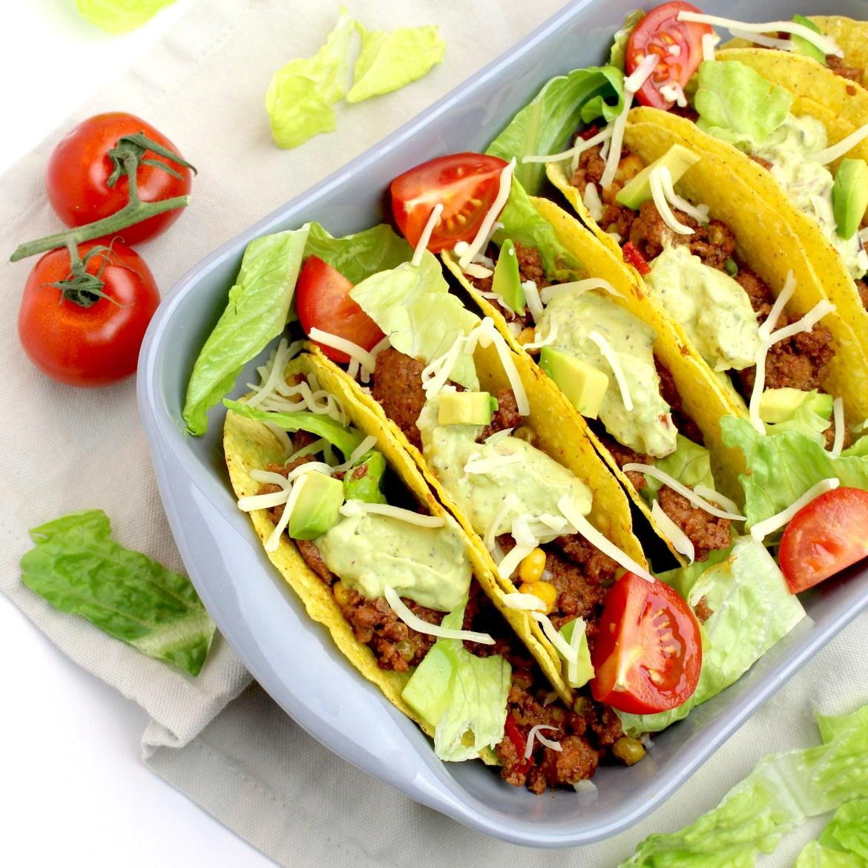 Taco's met gehakt en guacamole