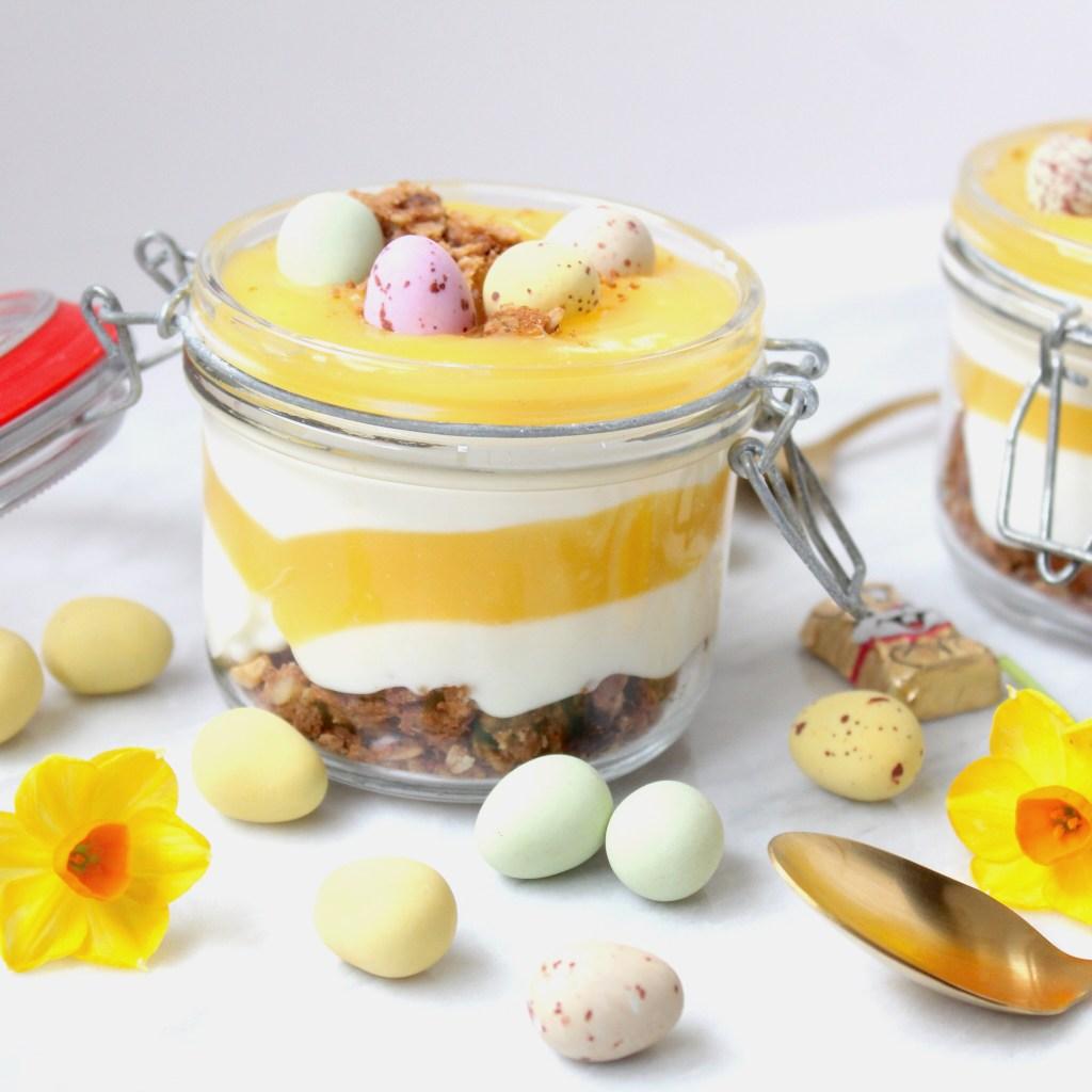 Simpel toetje voor de Paasdagen met kwark en lemon curdSimpel toetje voor de Paasdagen met kwark en lemon curd