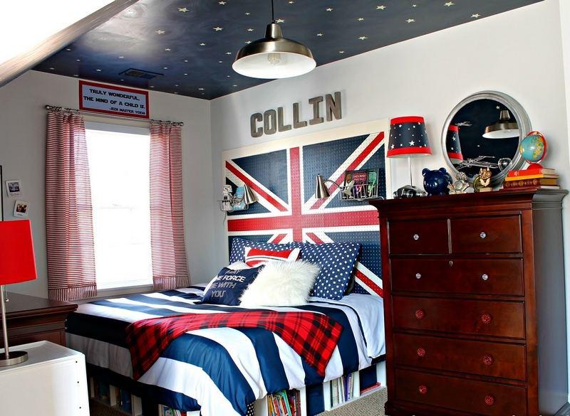 decorating ideas small master bedroom