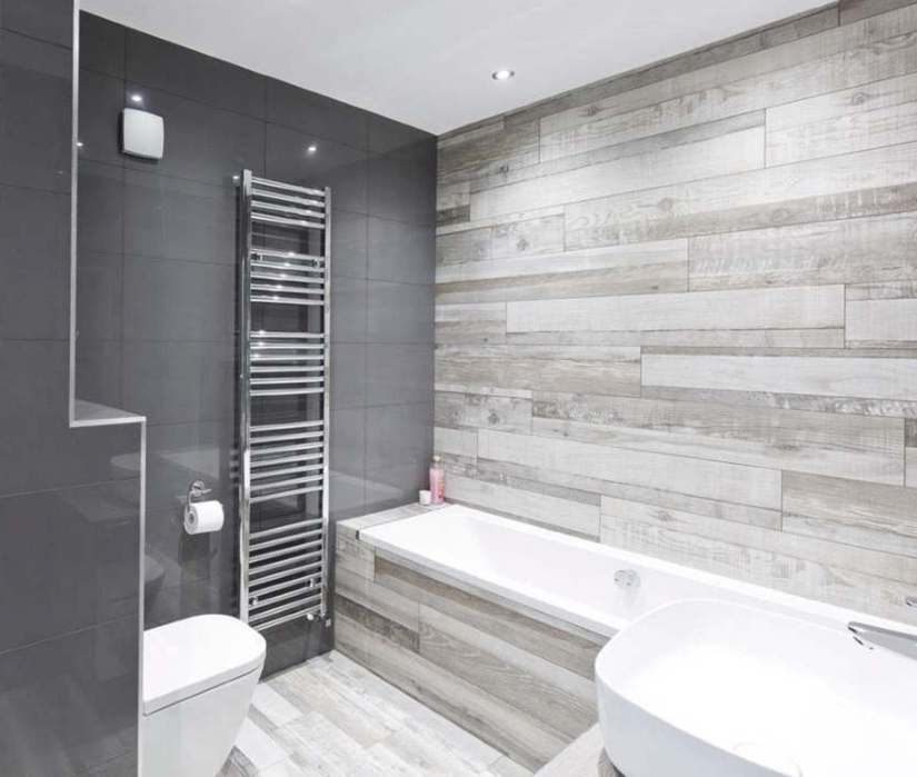 tiling bathroom wall