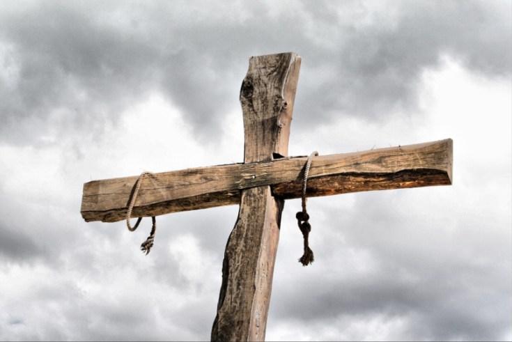 عیسی مسیح در چه روزی از هفته مصلوب شد؟