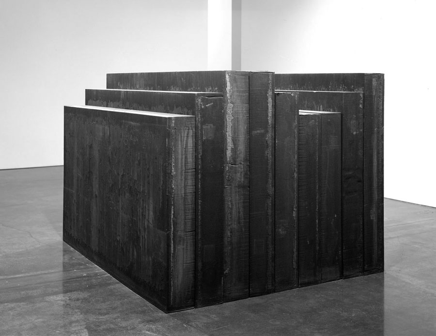 Elevational Mass, 2006. Hot rolled steel, 60 x 84 x 72 inches overall (152.4 x 213.4 x 182.9 cm)
