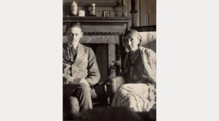 Oṭlīn Mrel │ T.S. EŁT N VJIŇA WLF │ Fôto │ 1924