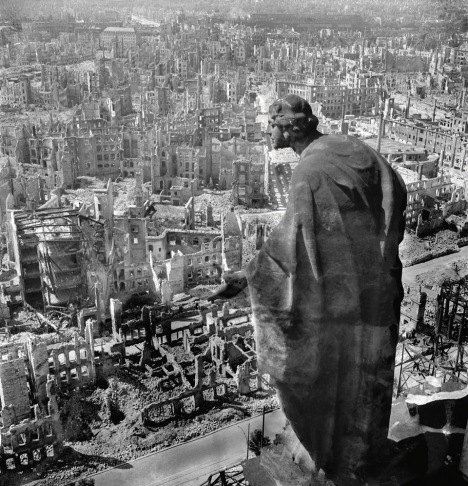 Richard Peter: Dresden After Allied Raids, Germany, 1945. © SLUB Dresden / Deutsche Fotothek