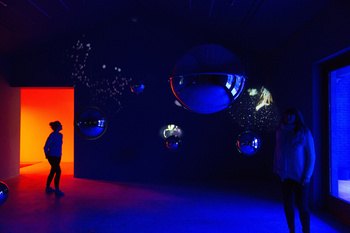 Sleeping Pollen, 2014. Audio video installation; 7 mirror spheres projecting onto the walls plus 3 small and 1 big mirror spheres, sound. Dimensions variable