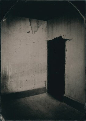The watcher, 2013. Ambrotype, unique 17.5 x 12.5 cm (plate size); 36.3 x 30.3 cm (framed size)