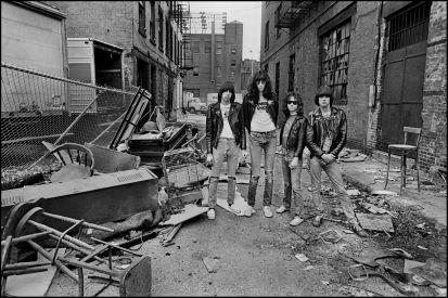 Ramones, 1977