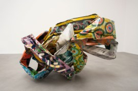 JOHN CHAMBERLAIN: Anteambulo Quincunx, 1992. Painted steel, 48 3/8 × 77 × 59 inches (122.9 × 195.6 × 149.9 cm). Photo: Miriam Perez