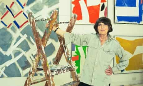 Sandra Blow in her studio in St Ives, Cornwall, in 2002 │ Photograph: Antonio Olmos │ Guardian, 2006