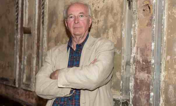 Philip Pullman: ministers should face charges if Brexit politics slowed PPE