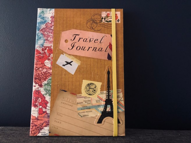 15 Present Ideas for Travellers - Travel Journal